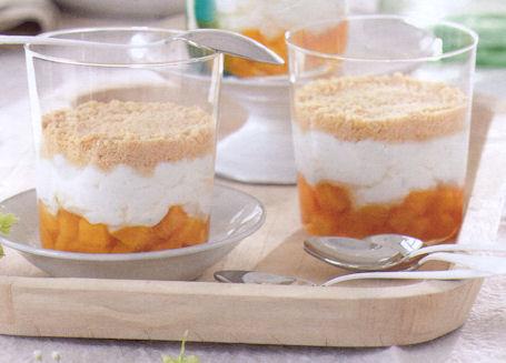Aprikosen kasekuchen im glas